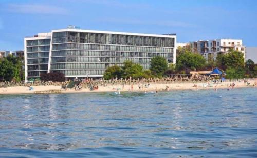 """Budynek sanatoryjno-hotelowy """"Marine"""" w Kołobrzegu"""